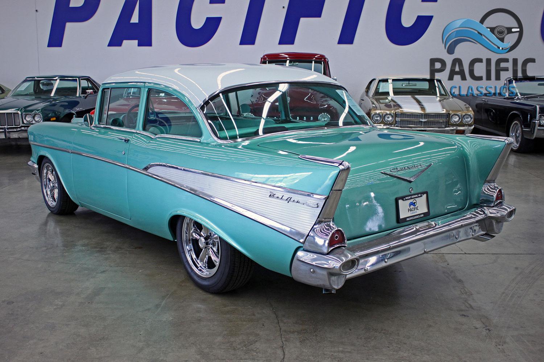 1957 Chevrolet 210 Post