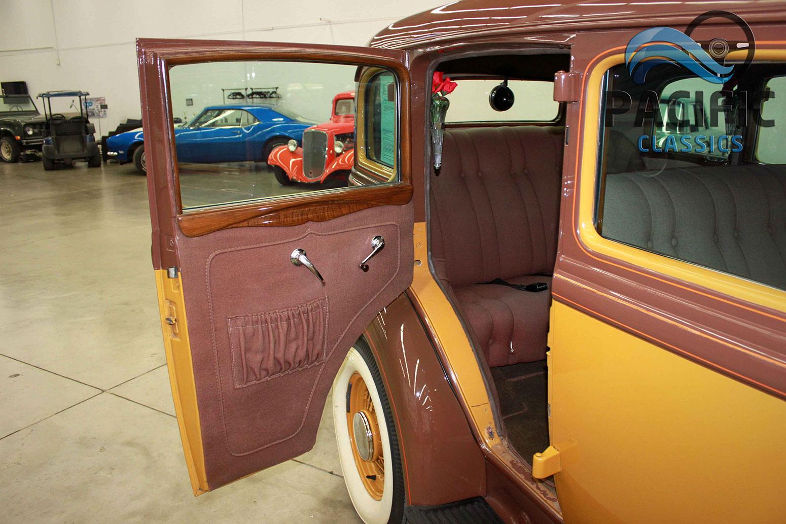1933 Dodge Sedan