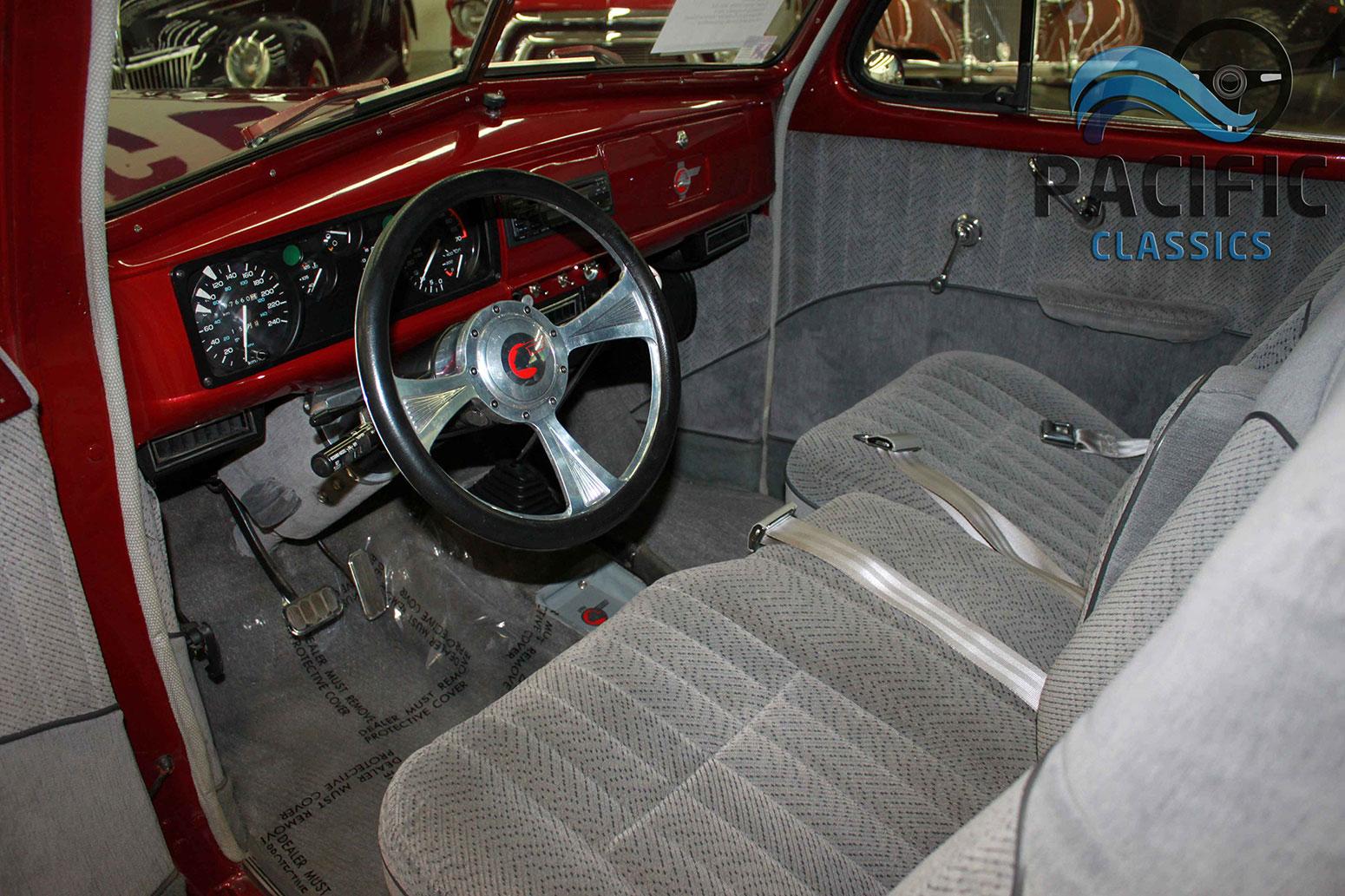 1939 Pontiac 2 Door Sedan