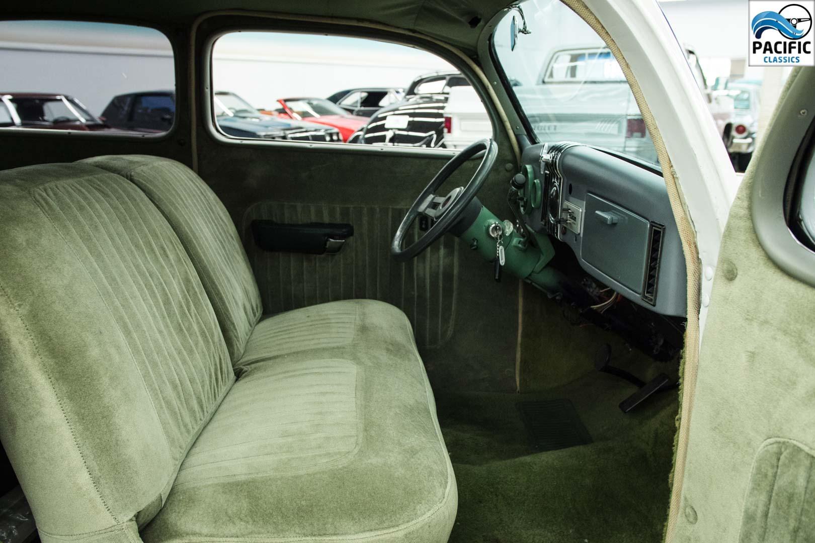 1935 Ford 2DR Sedan