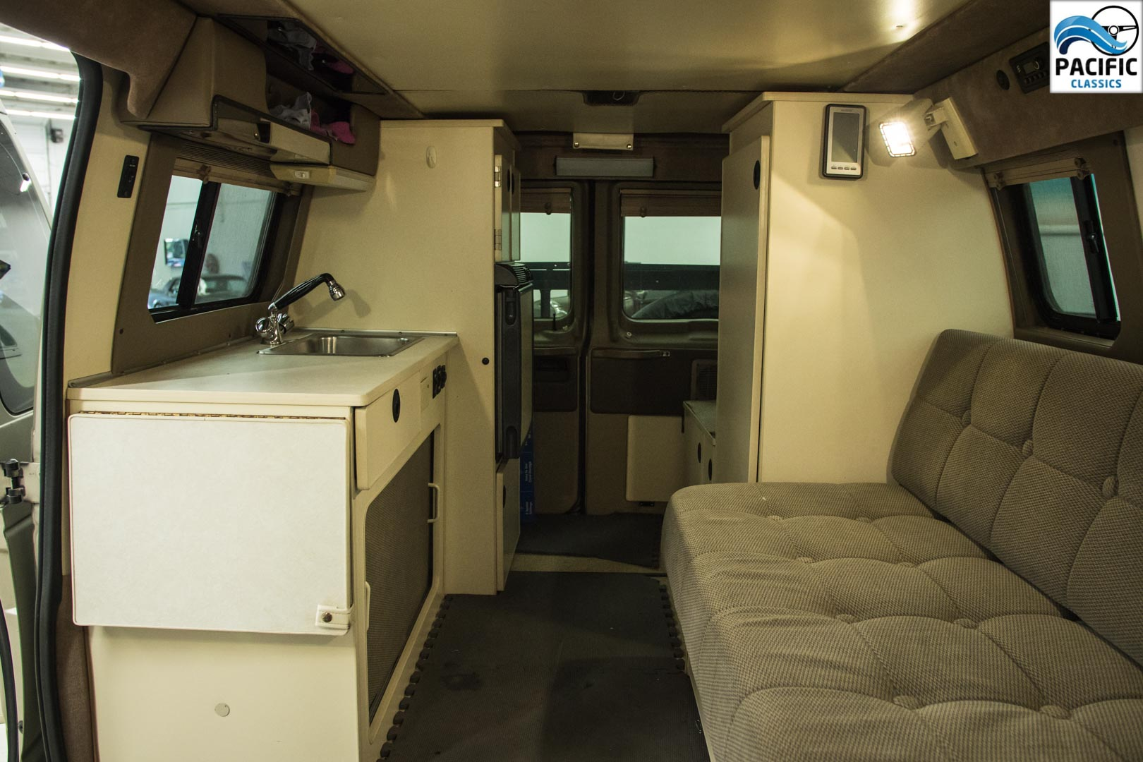 2007 Ford E350 Sportsmobile Camper Van