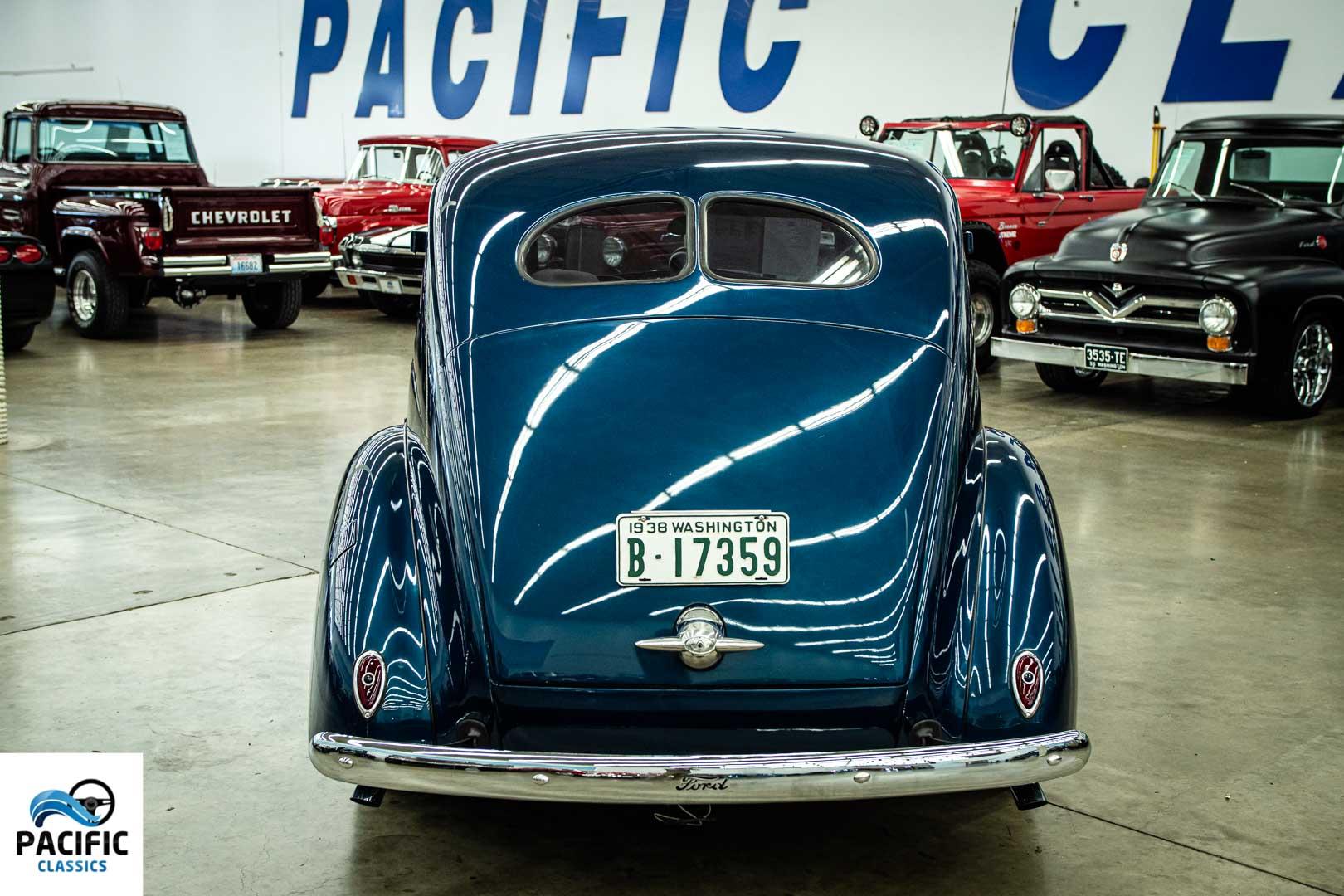 1938 Ford Deluxe Sedan