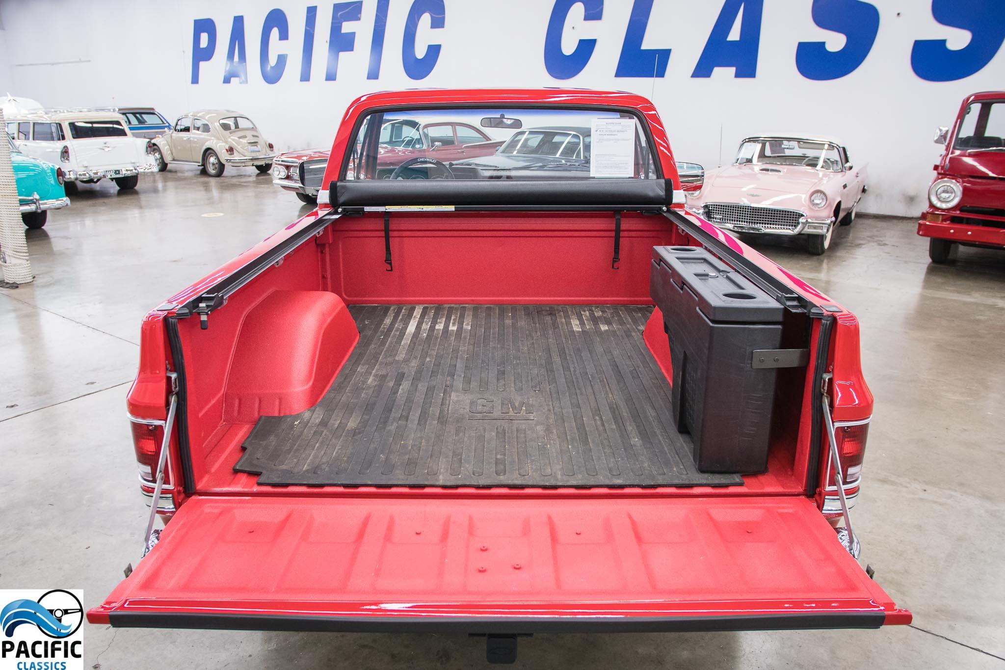 1987 Chevrolet C10 Custom Deluxe 4X4